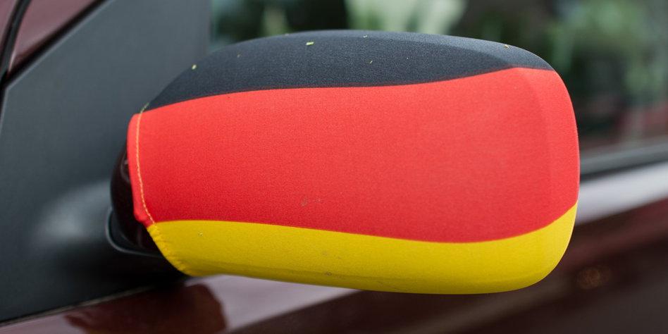 Wm tauglichkeit von regierungswagen schwarz rot gold am for Spiegel wochenzeitung