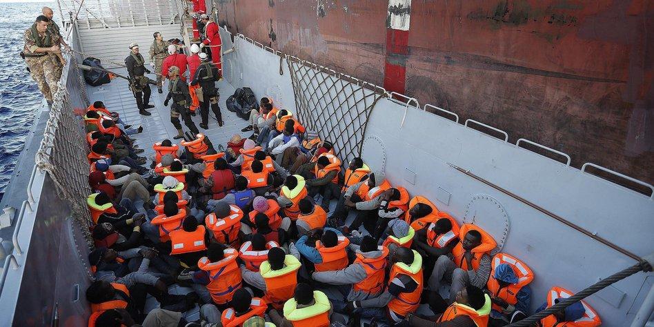 viele flüchtlinge italien