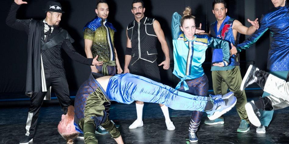 berliner breakdance crew flying steps tanz nach oben. Black Bedroom Furniture Sets. Home Design Ideas