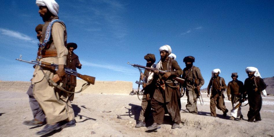 http://www.taz.de/picture/119532/948/Mudschaheddin.Afghanistan.1985.Imago.Russian.Lool.jpg