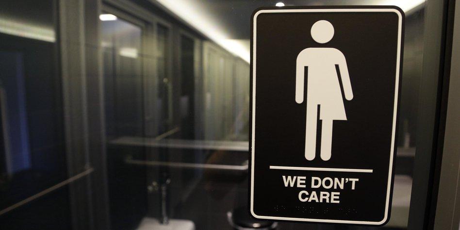 Transgender toiletten in north carolina obama legt nach for Support for transgender bathrooms