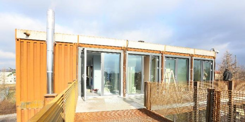 containerdorf fabulous pl nterwald. Black Bedroom Furniture Sets. Home Design Ideas