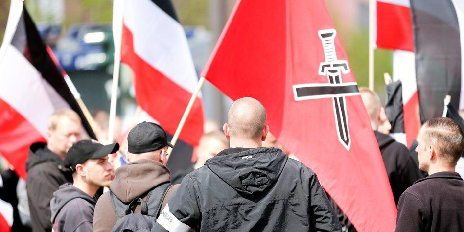 aktionen gegen rechte in berlin f r die nazis wurde es ungem tlich. Black Bedroom Furniture Sets. Home Design Ideas