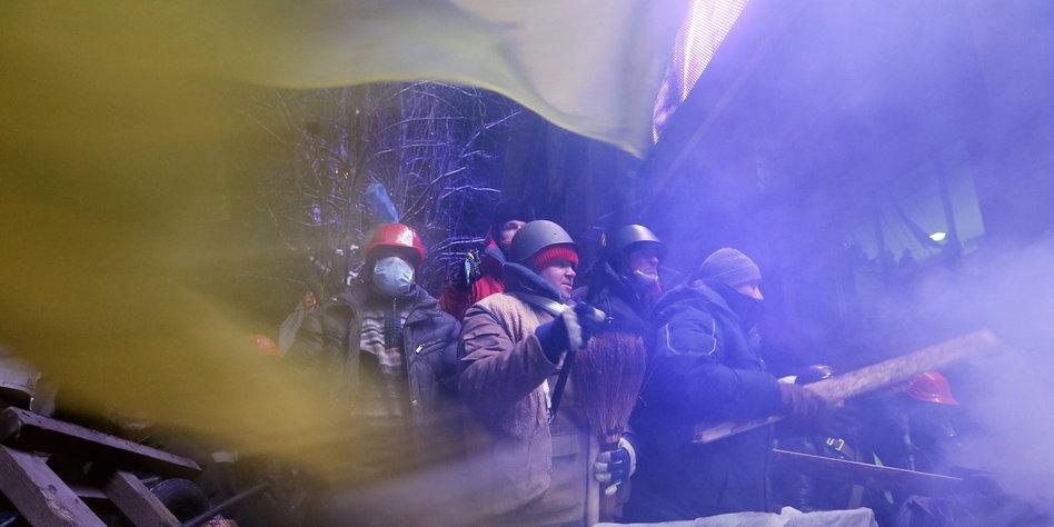 Ukrainische Frau kommt nach Kiew