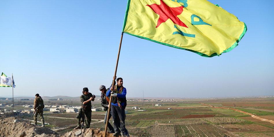 türkische kampfflugzeuge greifen syrien an