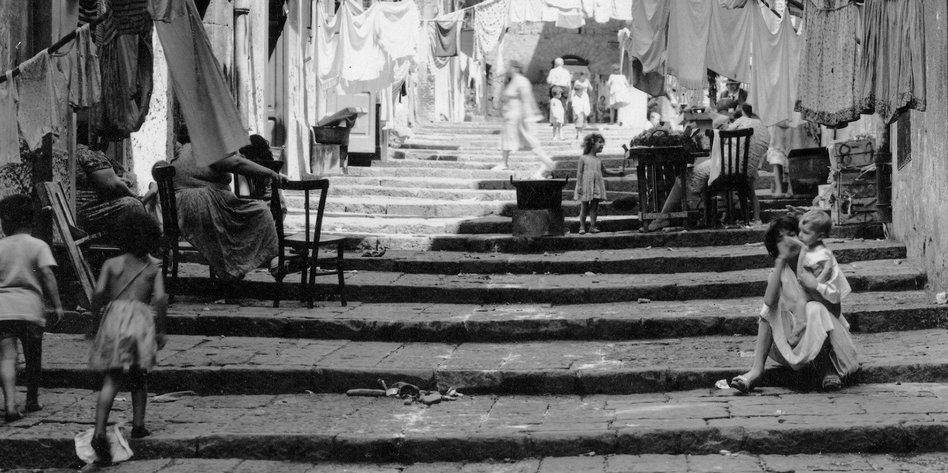 Neapel Saga Von Elena Ferrante Europa Vor Nicht Allzu Langer Zeit