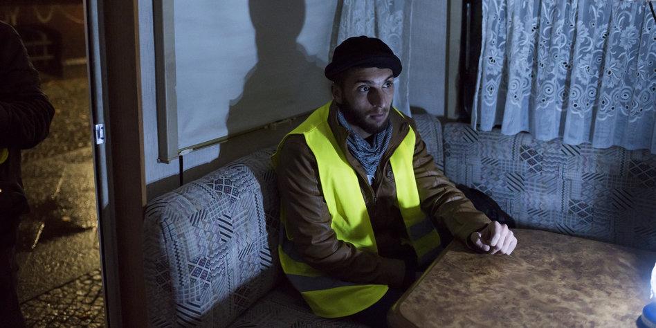 afghanischer fl chtling in berlin ein praktikum in b rokratie. Black Bedroom Furniture Sets. Home Design Ideas