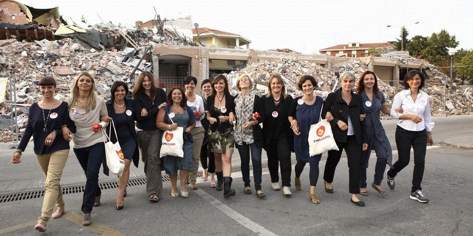 Wiederaufbau nach dem Erdbeben 2012: Italiens Trümmerfrauen ...