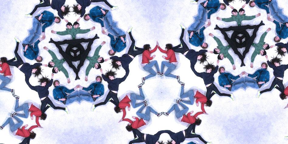 Sphären&Szenen Der Teppich als Geburtskanal  tazde