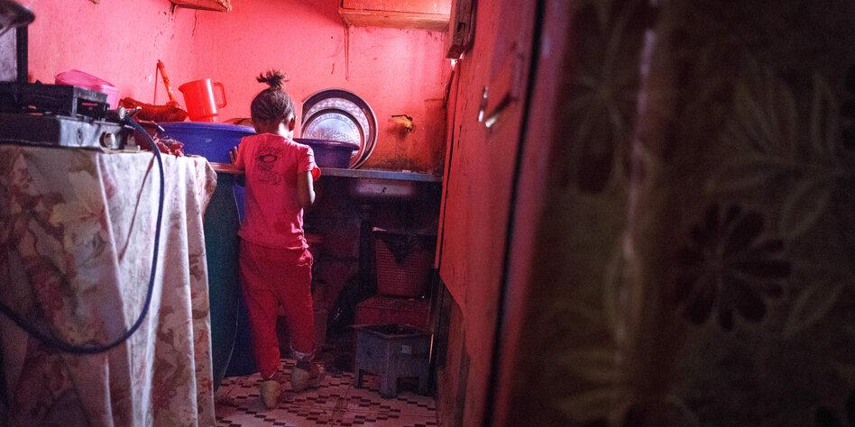 flucht aus dem sudan aaron und das geisterschiff lea wagner torial. Black Bedroom Furniture Sets. Home Design Ideas