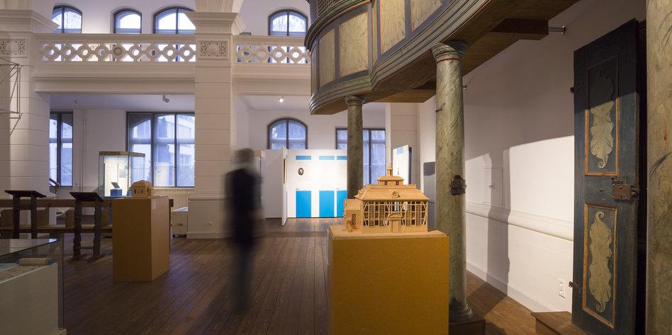 new yorker ausstellung im braunschweiger landesmuseum das verschwundene zur ckgeholt. Black Bedroom Furniture Sets. Home Design Ideas