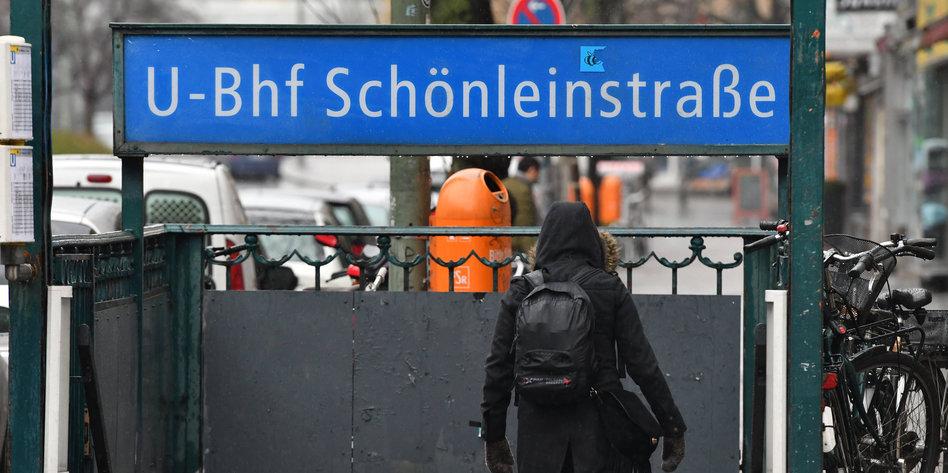 Abscheulichkeit in Berlin: Sieben  junge Männer waren es