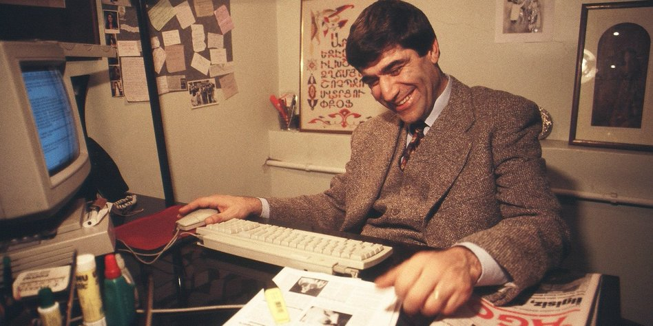 Hrant Dink im alten Agos Büro