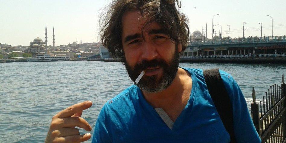 Pressefreiheit In Der Türkei Deniz Yücel In Polizeigewahrsam Tazde