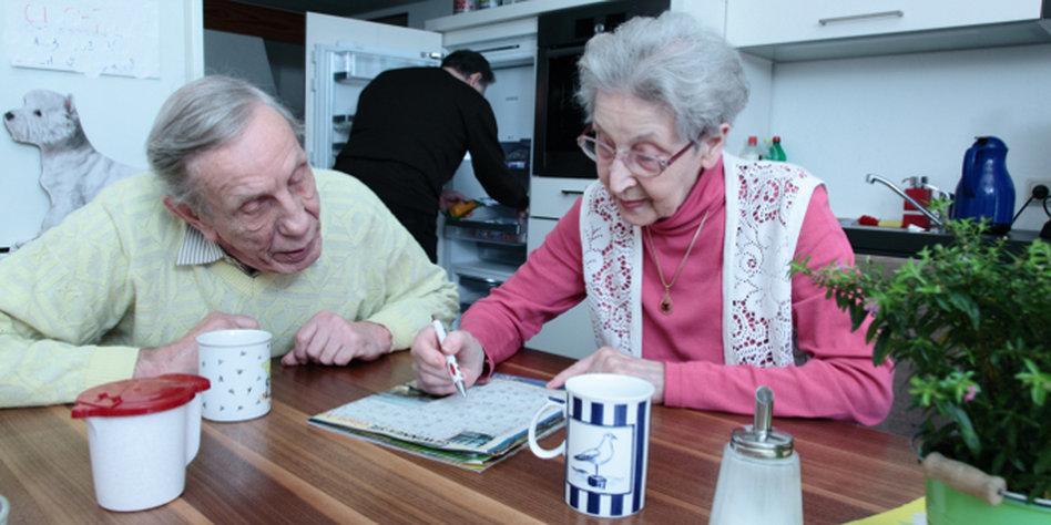 gemeinsam leben im alter seniorin nicht dement sucht wg. Black Bedroom Furniture Sets. Home Design Ideas