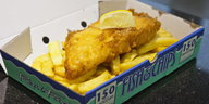 knusprig-goldenes Fish & Chips-Gericht