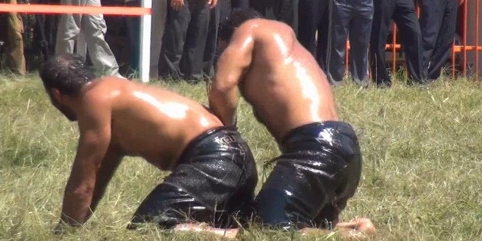 Schwule nackt geile türken Bär Pornos: