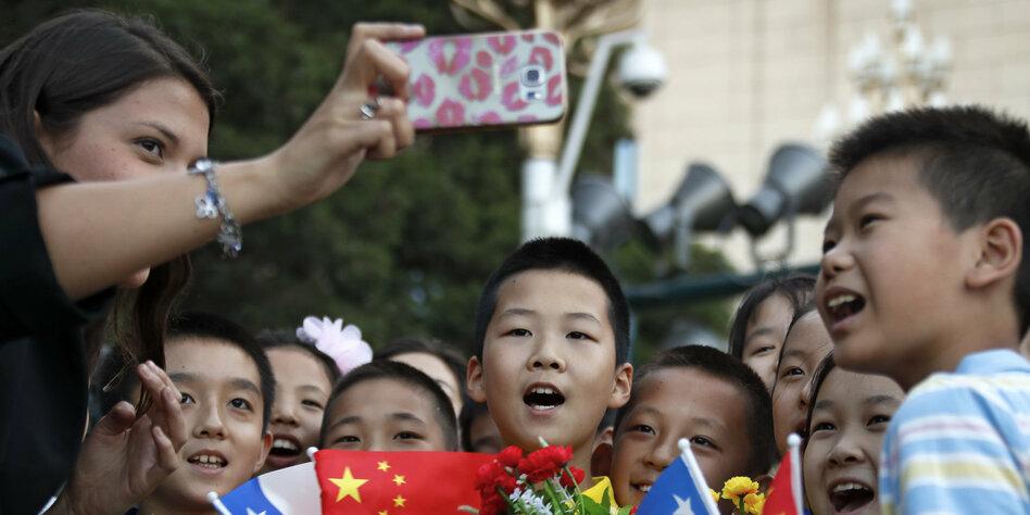 Psychologe über Smartphonerisiken Gebt Kindern Aufmerksamkeit