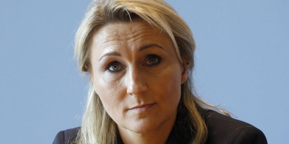Andrea verpoorten wird schatzmeisterin ei ei ei for Namensspiele