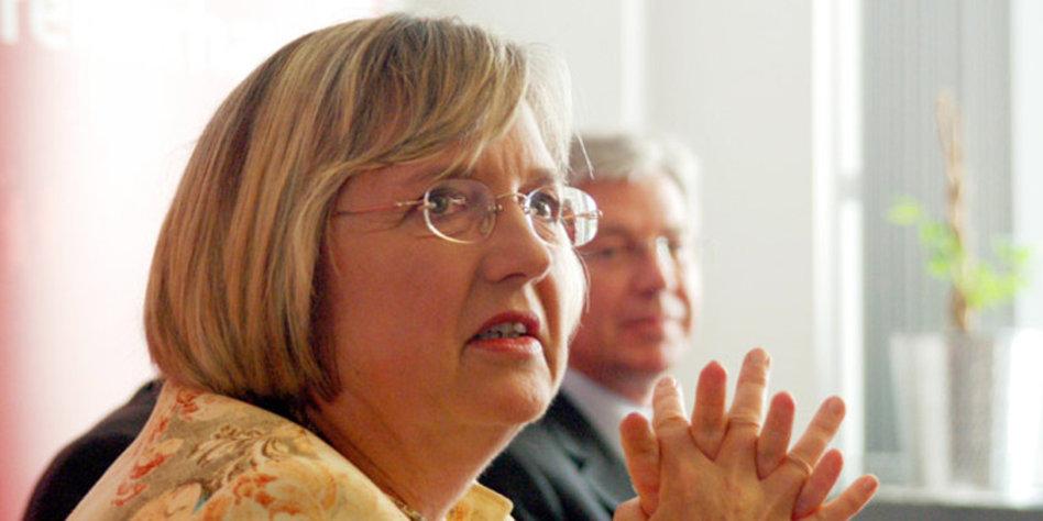 Die Bremer Gesundheitssenatorin <b>Renate Jürgens-Pieper</b> (SPD) wertet die <b>...</b> - Juergens-Pieper_Renate_web