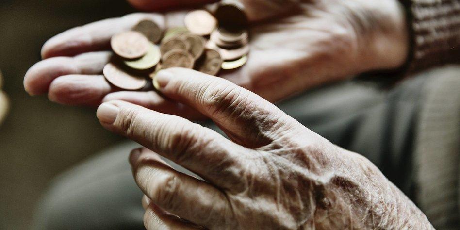 Frauen bekommen nur halb so viel Rente wie Männer