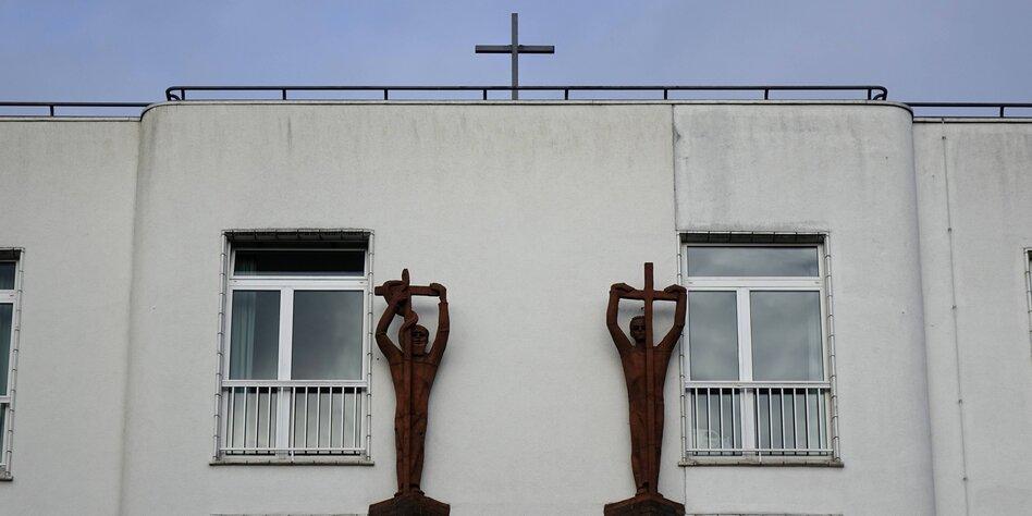 Debatte Religion Unzeitgemäße Privilegien Tazde