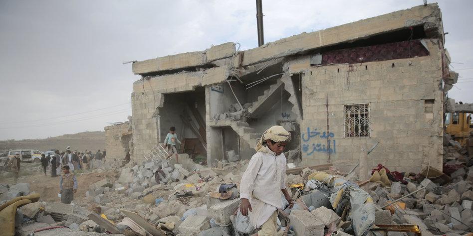 Luftangriff auf Hotel im Jemen: 30 Tote