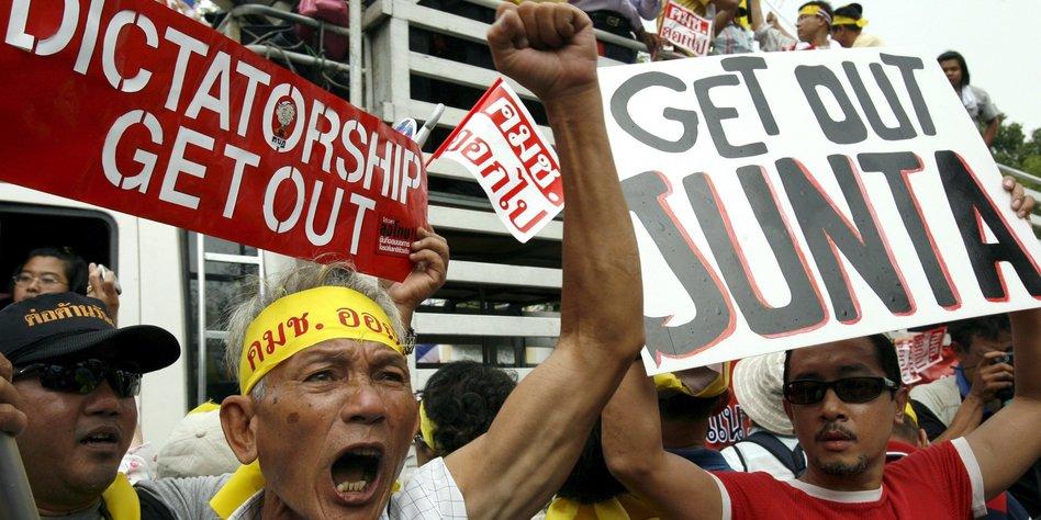 Militärs in Thailand versprechen Parlamentswahlen in einem Jahr