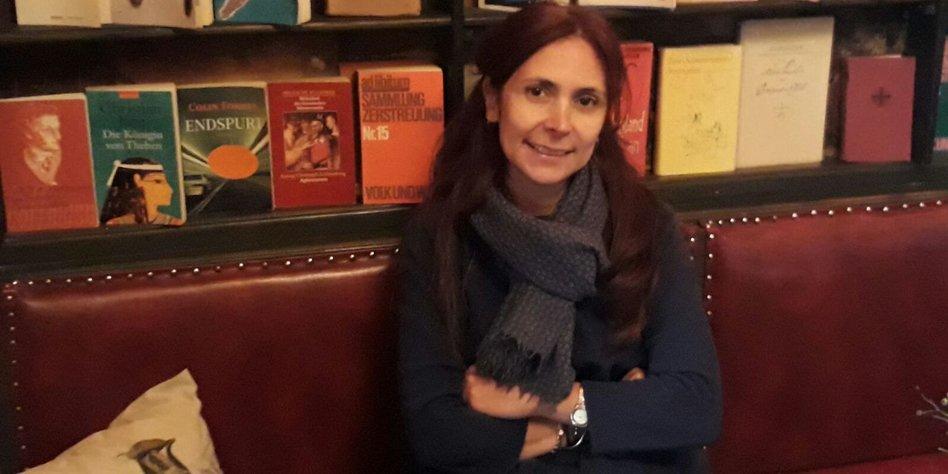 Eine der Gründerinnen der Off-University: Tuba Inal Çekiç.