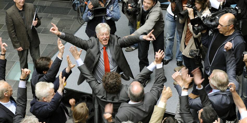 da war der jubel in bremen gro ernennung zur exzellenz uni 2012 foto uni bremen - Uni Bremen Online Bewerbung