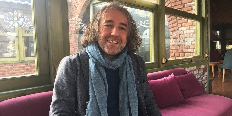 Der Journalist Fehim Taştekin.