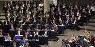 Rechtspopulisten im Bundestag: Der erste richtige Auftritt der AfD