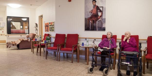 pflegereform in deutschland das gute heim von brandenburg. Black Bedroom Furniture Sets. Home Design Ideas