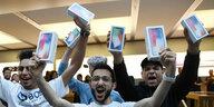 Smartphone-Schrott schadet der Umwelt: Gesetze für nachhaltigere Handys