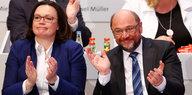 SPD-Parteitag in Bonn: Knappe Mehrheit für Verhandlungen