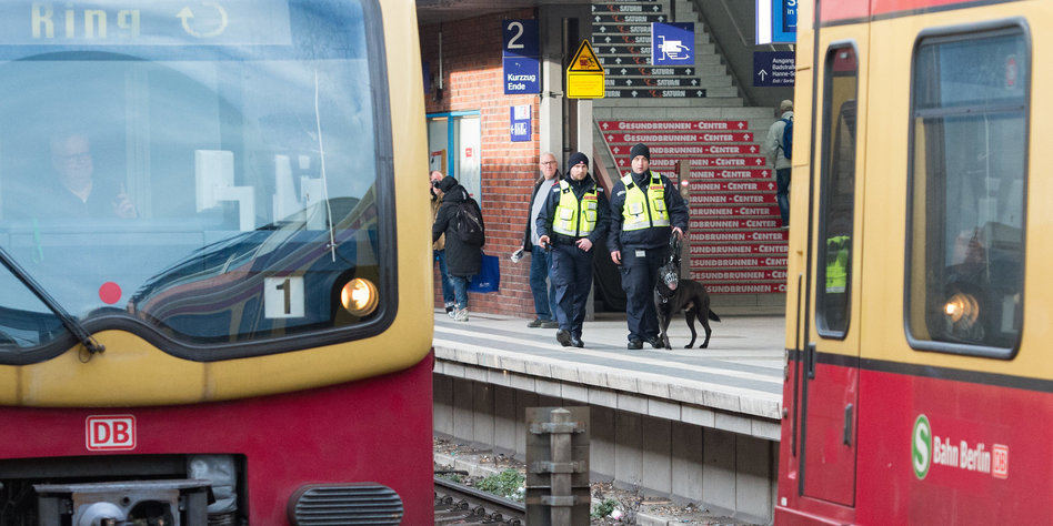 Sicherheit An Bahnhofen Rund Um Die Uhr Bewacht Taz De
