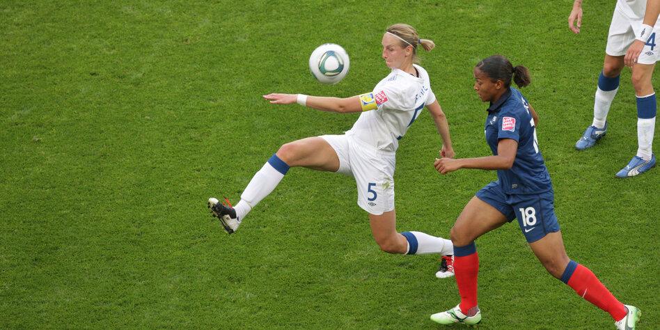 Frauenfussball In England Der Grosse Aufbruch Taz De