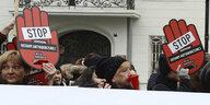 """Demo zu Abtreibungsrecht in Polen: """"Noch ist die Polin nicht verloren!"""""""