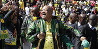 Jacob Zuma lacht