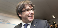 Carles Puigdemont lacht