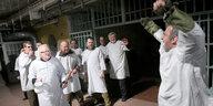 Resozialisierung im Gefängnis: Das Gitter öffnen