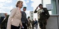 Mangelhafte Ausrüstung: Neue Waffen für die Bundeswehr