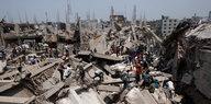 """Juristin zu Fabrikeinsturz in Bangladesch: """"Passiert ist bisher wenig"""""""