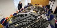 Rechtsextreme mit Waffenerlaubnis: Massenweise Knarren