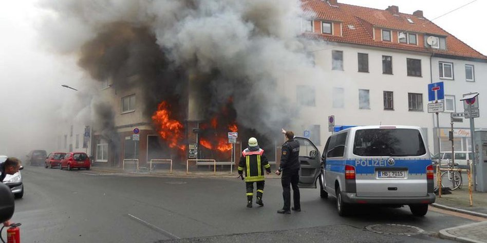 Feuer Bremen hintergründe eines dramatischen brandeinsatzes feuerwehr auf