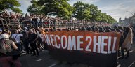 Die Spitze der Welcome to Hell-Demonstration