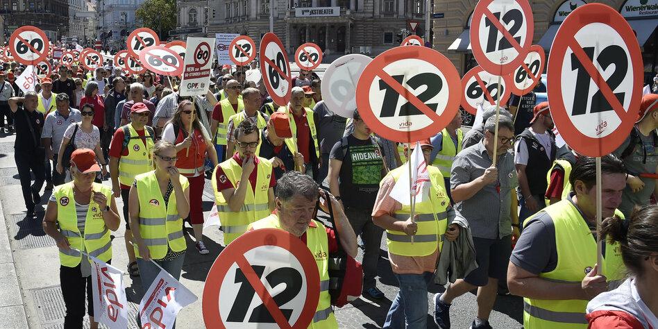 Wirtschaft, Handel & Finanzen: Zehntausende demonstrieren in Wien gegen Zwölf-Stunden-Tag