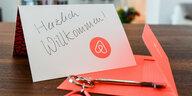 Fehlende Transparenz angemahnt: EU knöpft sich Airbnb vor
