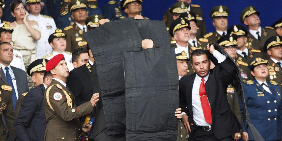 Venezuelas Präsident überlebt Sprengstoffanschlag mit Drohne
