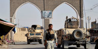Kommentar Taliban-Angriff in Ghasni: Kaiserfamilie ohne Kleider